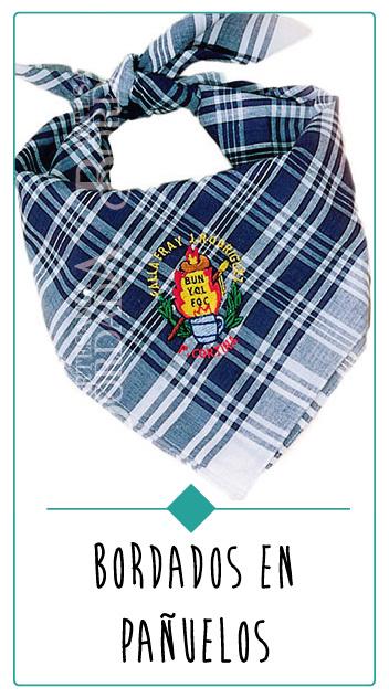 fotografia pañuelo fallero bordado con escudo de fallas